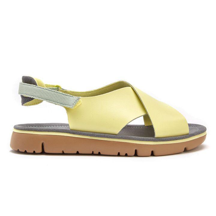 b963e2b7b4598f Sandały z zapięciem na płaskim obcasie - wyjątkowe obuwie - APIA