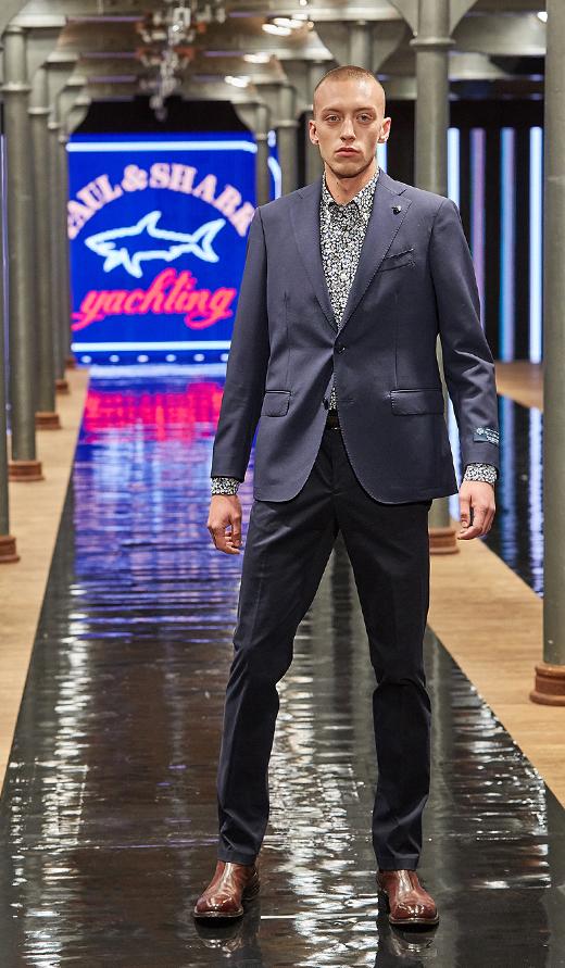 pokaz mady buty APIA ubrania Paul&Shark