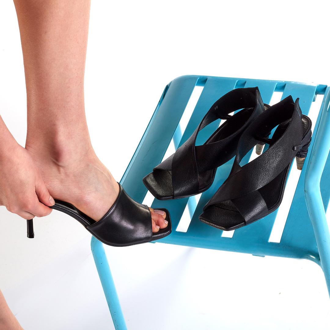 klapki i sandały APIA